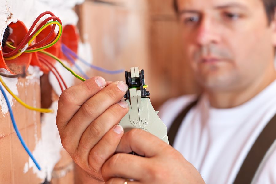 Distinction Between an Electrician and Electrical Contracting Professional