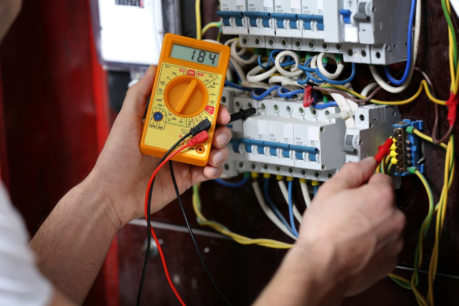 Reaching The Electrical Contractors in Kolkata