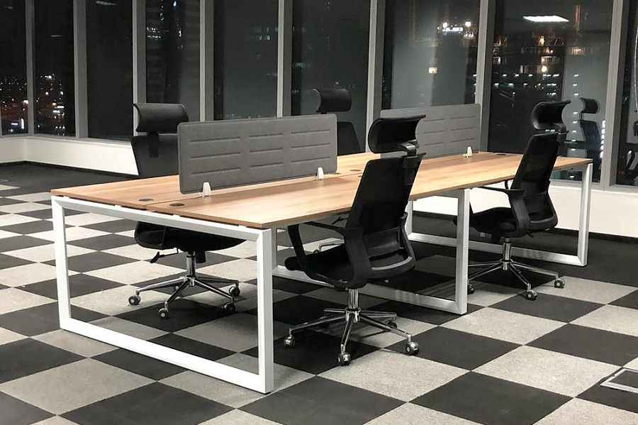 What Desk Is Best For Office Workers to Save the Health of Their Backs