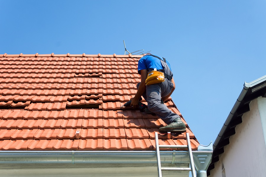 5 Simple Tips for Effective Roof Maintenance
