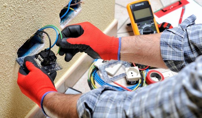 8 Tips When Hiring An Electrician