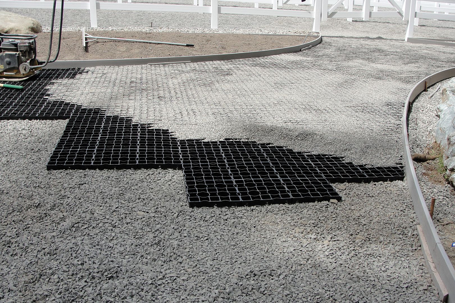 How Plastic Grid Paving Works To Protect Your Lawn