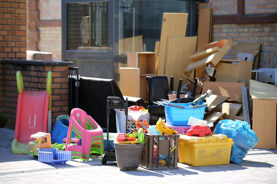 Professional disposal out of apartments, also picking up bulky waste