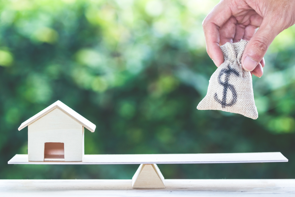 5 Reasons to Sell Your Home If You're in a Money Crisis