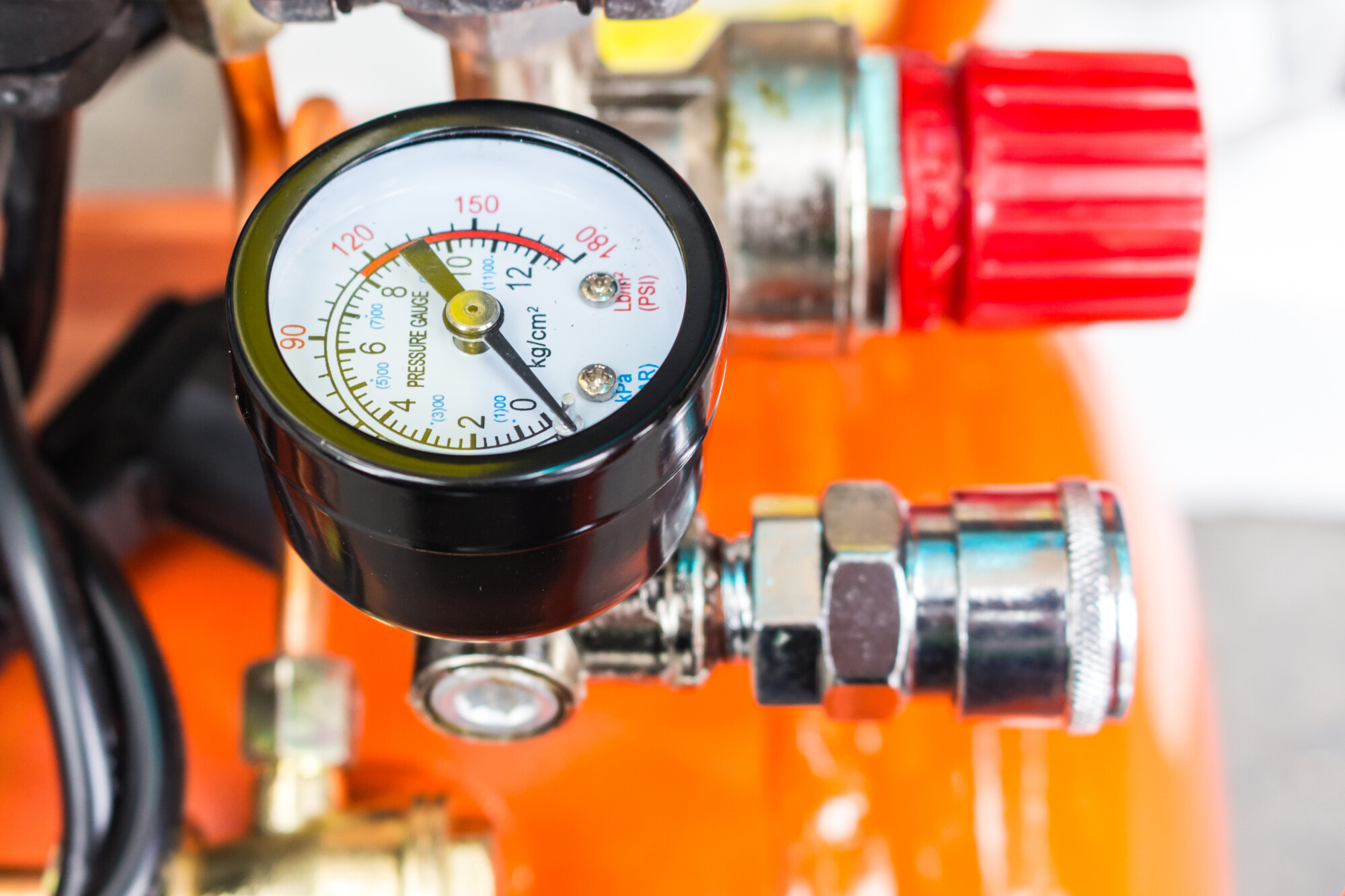 The Benefits of Compressed Air for Those DIY Jobs