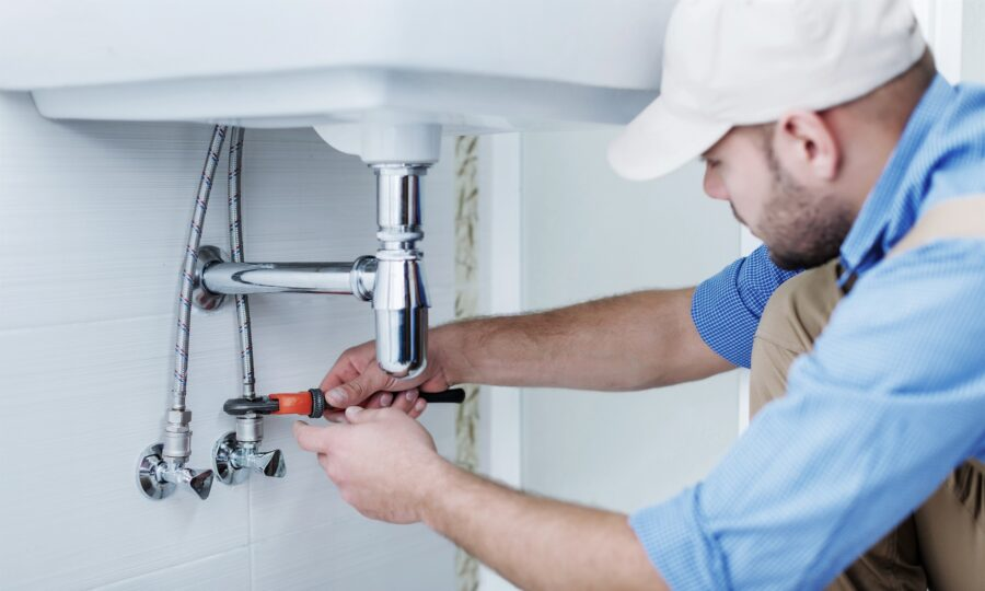 5 Things to Look for When Hiring a Plumber