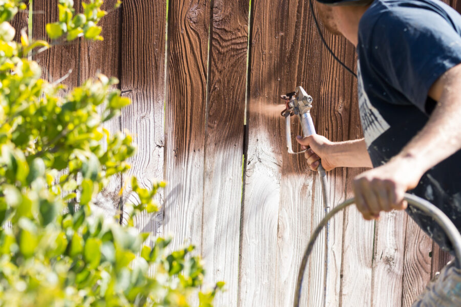 Fence Designs: The Trends Shaping Front Lawns