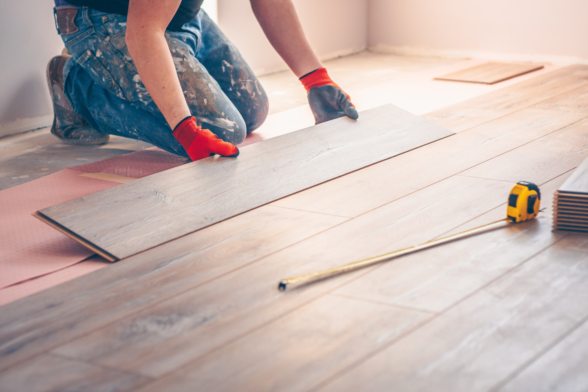 Vinyl Plank vs Hardwood Flooring: Which Should You Choose?